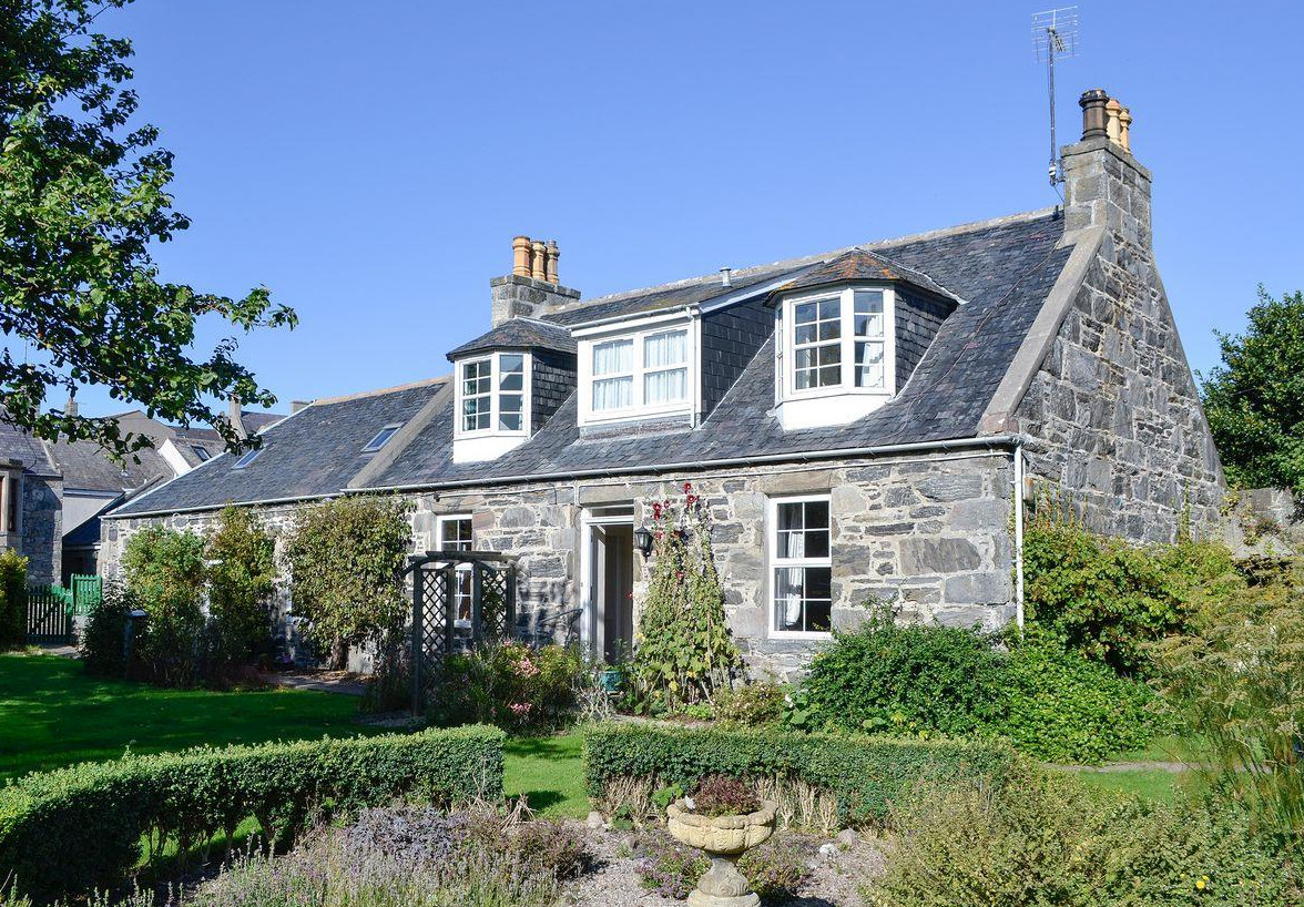 Burnside Cottage in Portsoy, Aberdeenshire