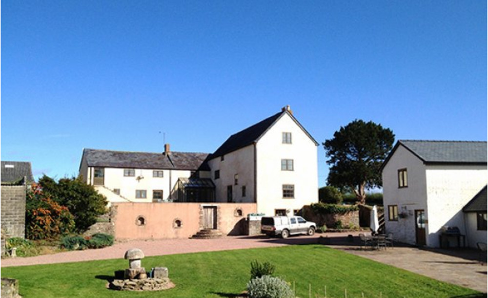 Much Dewchurch Cottages in Hereford - The Lowe Farmhouse, Tack Room, Sir Charles, Wild Honey, Trinity Lad