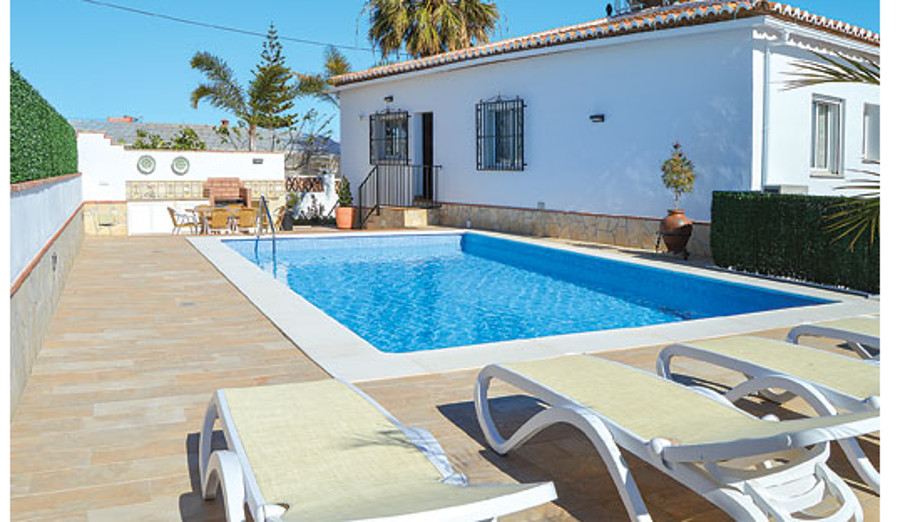 Villa Cortijo el Olivar in Torrox, Andalucia, sleeps 8 people