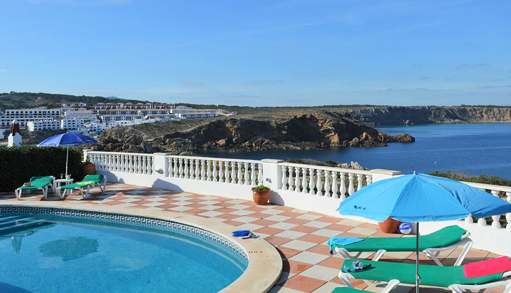 Villa Pilar in Arenal d'en Castell on Menorca sleeps 6 people