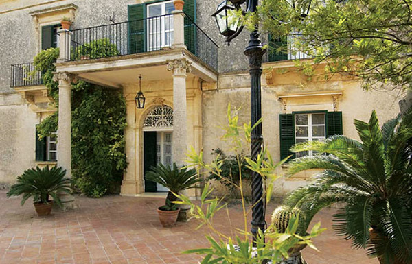 Villa Trombadore in Modica on Sicily sleeps 6 people