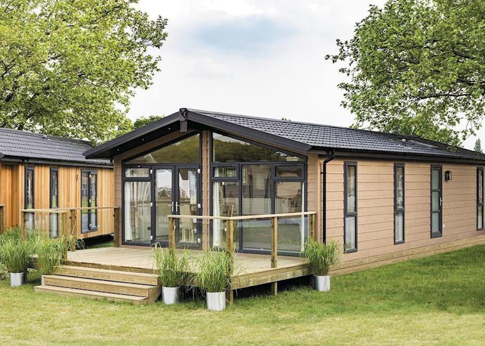 Wareham Forest Lodge Retreat in Holton Heath, near Poole in Dorset